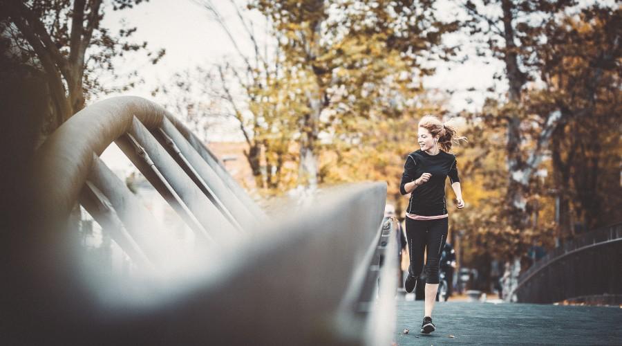 Läuferin im Park